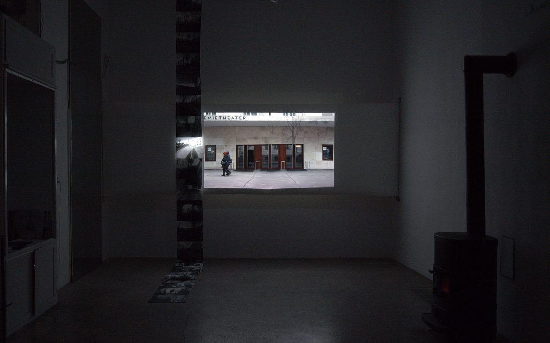 CLOSE UP/ LONGSHOT & CROSS – CUT Vienna